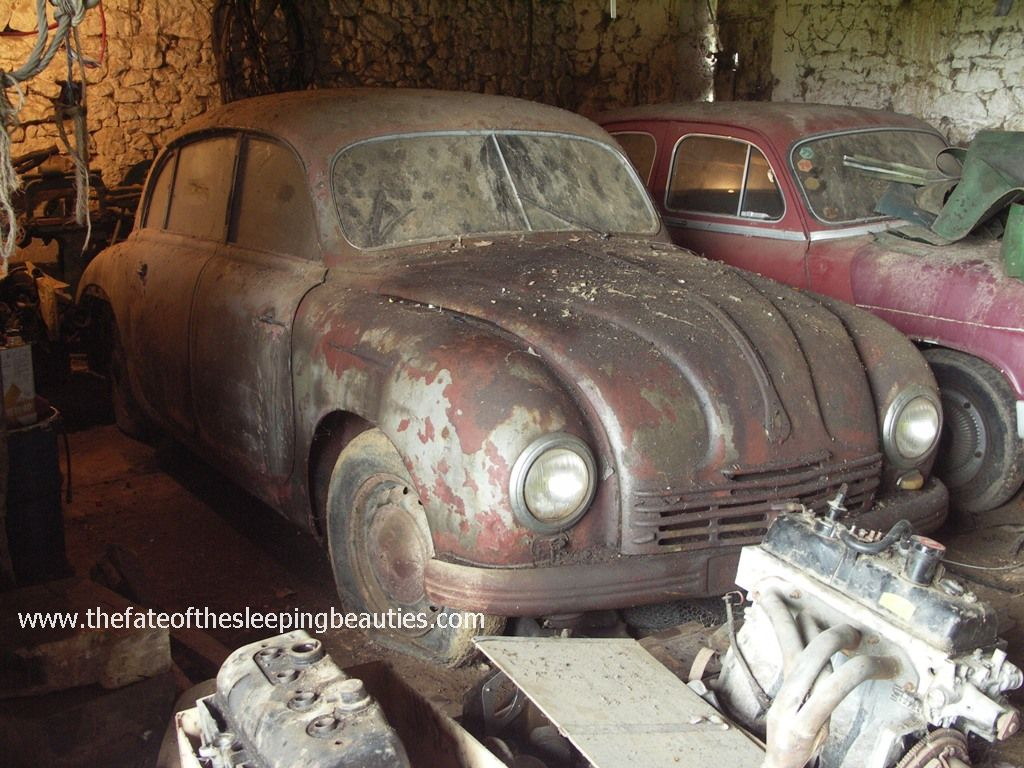 Unrestored Tatra 600 Tatraplan from the Sleeping Beauties collection - still a barn find (photo Kay Hottendorff, 2007)