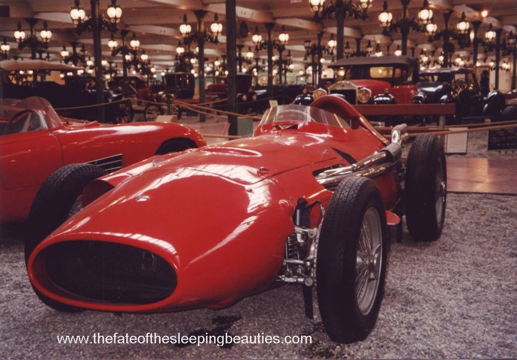 Schlumpf-Museum-1997-Maserati-250F_And-Exhibition-Hall